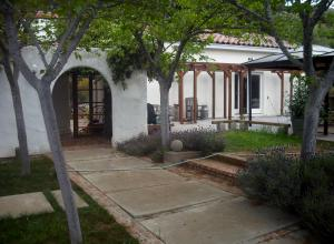 Andrews New Art Studio In Wine Country